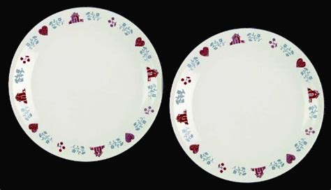 heart pattern dinnerware 2 corelle hometown beige tan 10 quot dinner plates euc retired