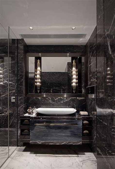 Luxury Modern Bathrooms by Best 25 Luxury Bathrooms Ideas On Luxurious