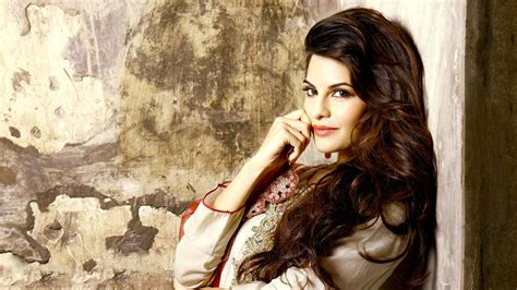 wallpaper hd for desktop of actress wide screen wallpaper of jacqueline fernandez top