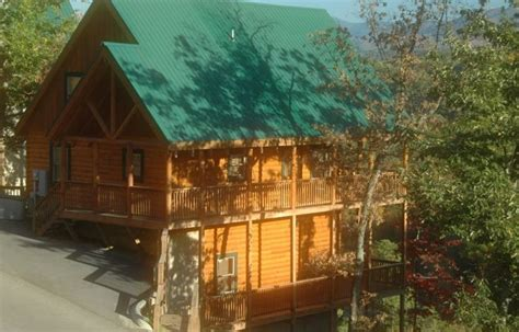 vrbo pigeon forge 4 bedroom luxury smokey mountain cabin vrbo