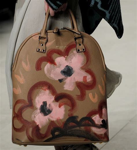 Burberry 2008 Handbags Runway Review by Burberry Fall 2014 Runway Bags 31 For Best Designer