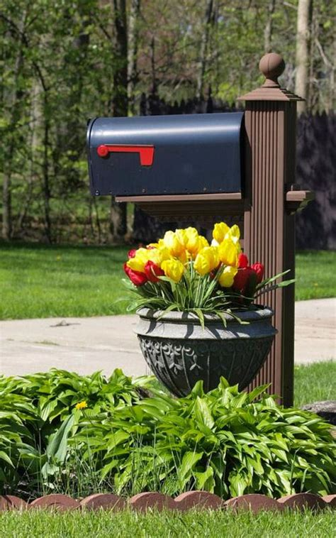 mailbox with planter 1000 ideas about mailbox planter on yard