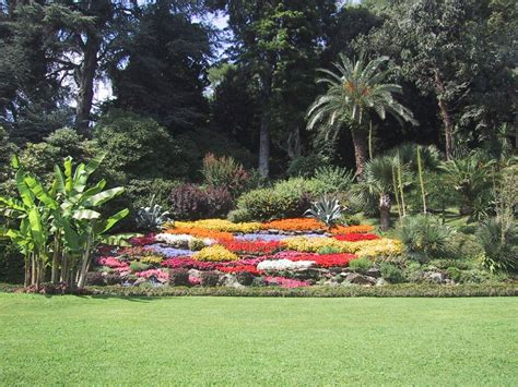 imagenes regando jardines m 225 s fotos de jardines fondos de paisajes
