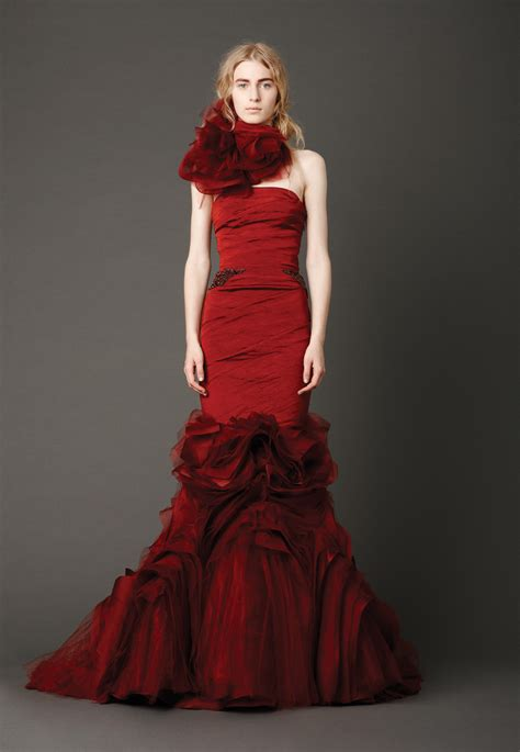 Brautkleider Rot by Looking Sophisticated With Vera Wang Wedding Dresses