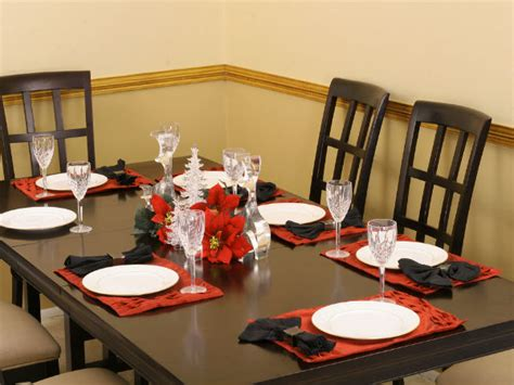 How To Set A Dining Table Tips For Setting A Dining Table Boldsky