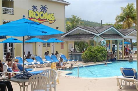 rooms on the ocho rios the swimming pool area picture of rooms ocho rios ocho rios tripadvisor