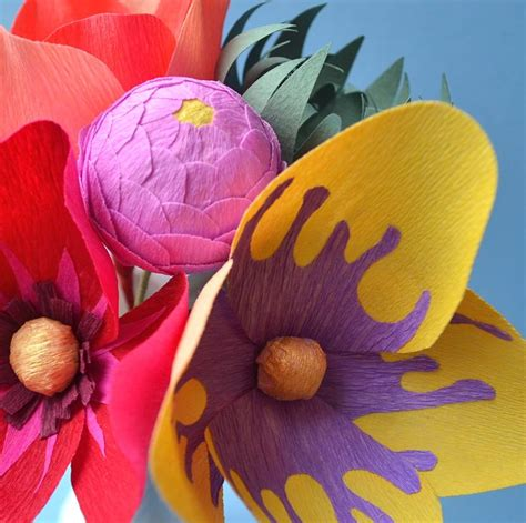 Flowers Out Of Crepe Paper - crepe paper flowers http luciabalcazar paper flowers