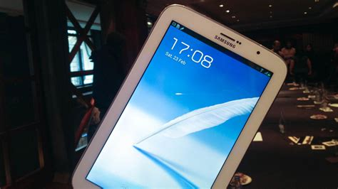 Samsung Tab Note 8 Inch galaxy note 8 0 on the 8 inch tablet as an 8 inch phone gizmodo australia