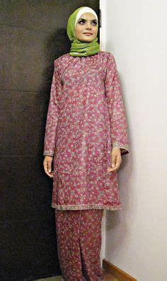 Riani Maxi Putih Batik Cokelat baju kurung sutera merah i by rizalman traditional costume silk