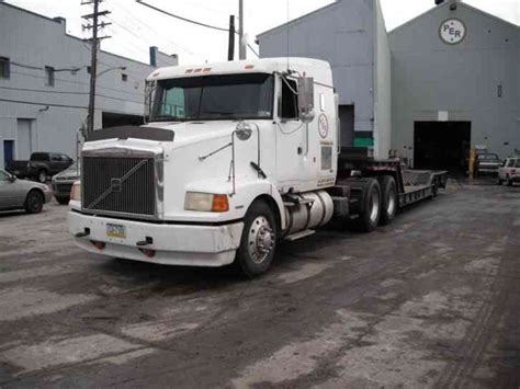 volvo semi truck sleeper volvo integral sleeper 1995 sleeper semi trucks