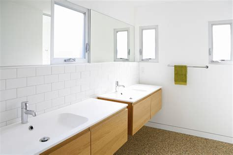 track lighting bathroom vanity