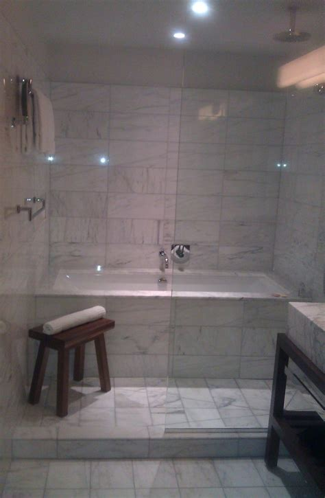 bathtub and shower combinations 25 best ideas about bathtub shower combo on pinterest