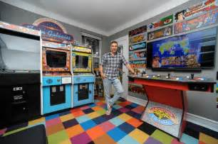 Things To Put In A Minecraft Bedroom Man Turns Murray Hill Apartment Into An Arcade Ny Daily News