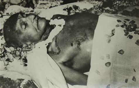 house history deaths rare photos of mahatma gandhi funeral mere pix