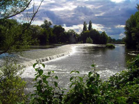 thames river in france 26 of the world s most beautiful and famous rivers
