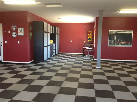 paint garage walls checker floor l like garage walls beautiful and the o jays