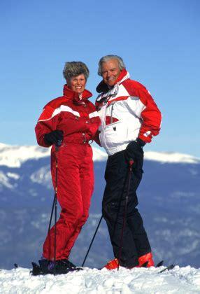 affordable senior travel insurance choosing   policy