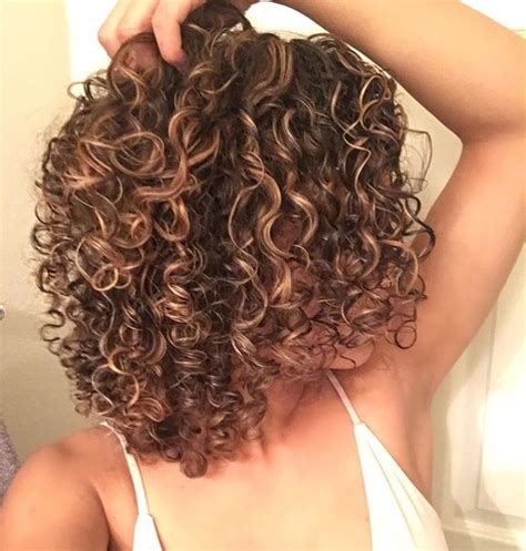 short haircuts when hair grows low on neck 1268 best hair make up etc images on pinterest curly
