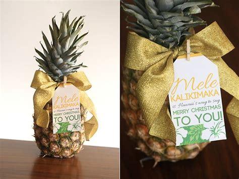 neighbor gift ideas   printable tags unoriginal mom