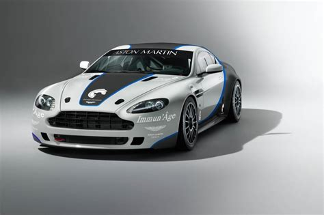 aston martin design director to race the vantage gt4