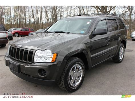 dark gray jeep cherokee 2006 jeep grand cherokee laredo 4x4 in dark khaki pearl