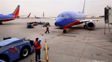 south west airlines r agent southwest reaches tenative agreement with ground crew