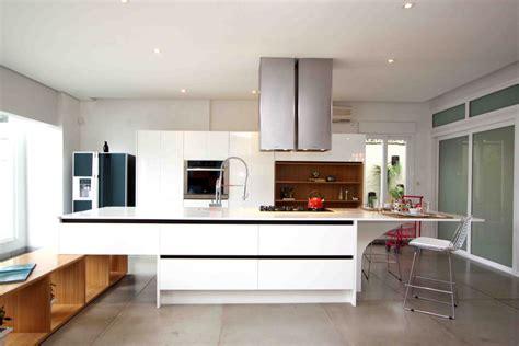 Dm Design Kitchens foto cozinha white pintura laca brilho de composit