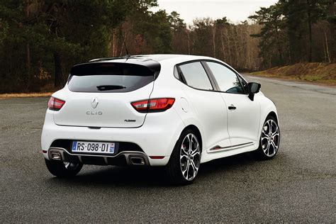 renault clio rs lastcarnews renault clio rs 220 trophy gets 220hp faster