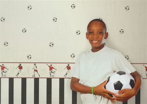 kinderzimmer borte bordure fusball selbstklebend carousel tapeten bord 252 re kinderzimmer borte dlb50091