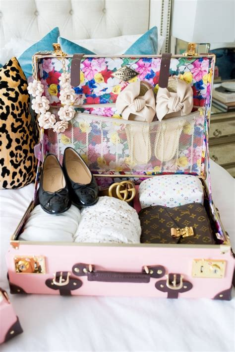 T205 03 Giraffe Multifunction Wardrobe Cloth Rack With Cover Lemari Pa 1 packing tips what i wear traveling chronicles of frivolity