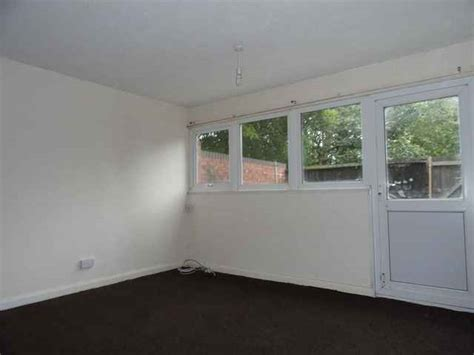 stratford 1 bedroom flat rent 1 bedroom flat to rent in woolmans fullers slade milton