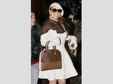 Check Out Our Favorite Celebrity Bag Looks from the ... M 2300 S
