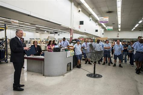 Post Office Merced Ca by Merced Postal Carrier Recognized For Helping Save A