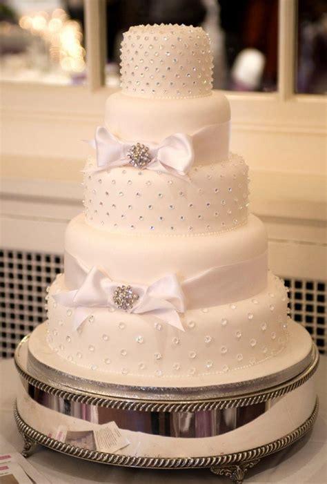 gateau de mariage original en  idees de decoration florale