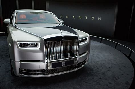 roll royce phantom 2018 refreshing or revolting 2018 rolls royce phantom motor