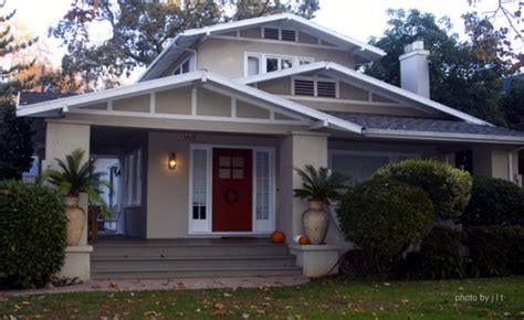 bungalow roof styles bungalow porch bungalow style homes arts and crafts