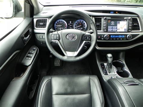 Toyota Highlander 2015 Interior 2015 Toyota Highlander Is Family Oriented Excellence