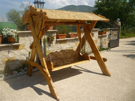 dondoli per giardino dondoli per giardino in legno geekologie