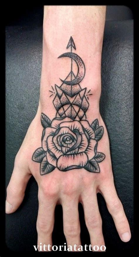 tattoo v hand rose hand tattoo tatuaggi tattoos by vittoria