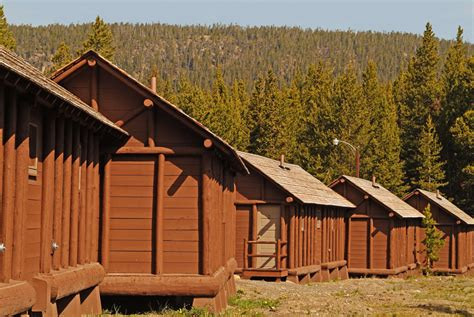 yellowstone cabin lake lodge cabins yellowstone national park
