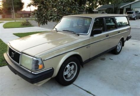 sell   volvo  dl wagon  door   west palm beach florida united states