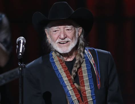willie nelson cancels concerts due to illness for second