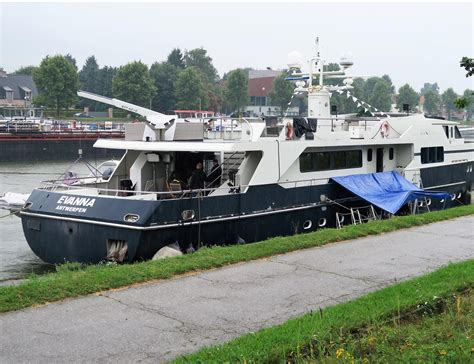 jachtboot te koop evanna krijgt beurt voor gert late night 2 wijnegem