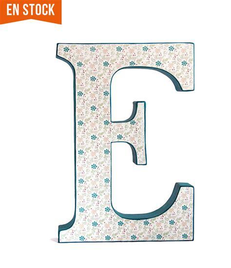 letras decoradas a letra decorada e azul y papel de flores en stock papermint