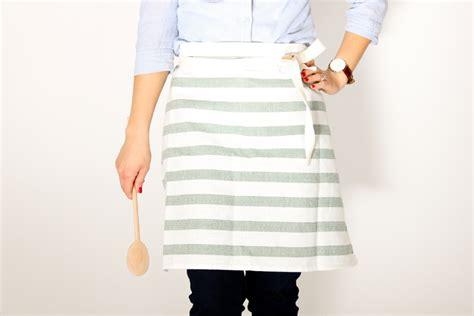 Sewing Machine Giveaway 2015 - easy tea towel apron tutorial baby lock sewing machine giveaway