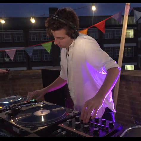 xx performs hour dj set on rooftop gigwise