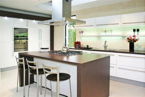 cuisine laque blanc davaus cuisine moderne laque blanc avec des id 233 es