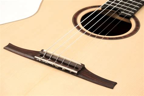 Guitar String - classic crossover string guitar with large and