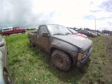 rallycross truck nissan d21 hardbody rallycross truck racing against the