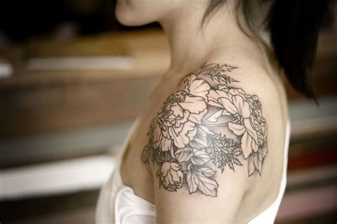 tattoo black and grey quebec tatuagem feminina 220 fotos para inspirar love this